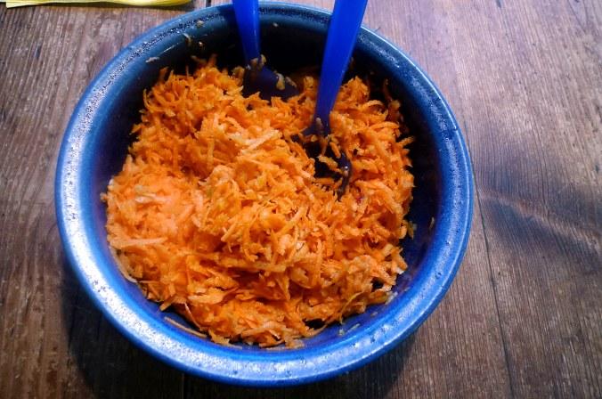 29.1.16 - Bratkartoffeln,Spiegelei,Möhrensalat,vegetarisch (2)