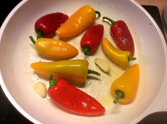 15.2.16 - Zucchinispaghetti,Reisnudeln,Tomatensoße,Bratgemüse (17)