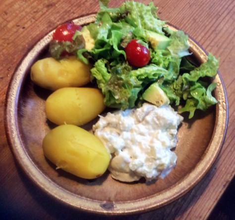 19.2.16 - Marinierter Hering,Kartoffeln,Salat (4)