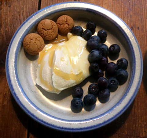 21.2.16 - Frikadellen,Kartoffelpü,Gurkensalat,Brokkoli,Dessert, (2)