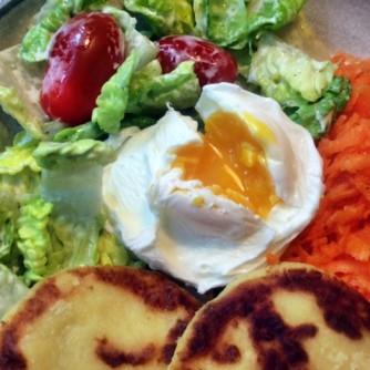 23.2.16 - Kartoffeltaler,Salate,pochiertes Ei,vegetarisch (17)
