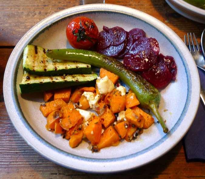 5.2.16 - Gemüse,gebackene Süßkartoffel,Rote Betesalat    (1)