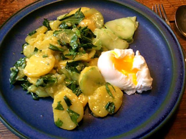 20.3.16 - Kartoffelsalat,pchiertes Ei,Quitten Dessert,vegetarisch (1)