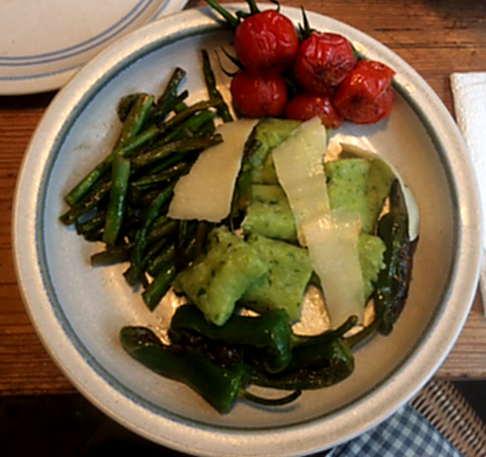 23.3.16  -  Gnocchis,grüner Spargel,Pimientos,Tomaten (2)