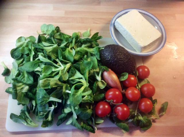3.3.16 - Gebratener Feta,Feldsalat,Guacamole,vegetarisch (2)
