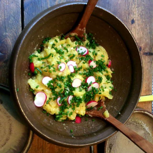 23.4.16 - Kartoffelsalat,pochiertes Ei,Gurkensalat (5)