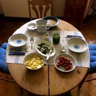 24.4.16 - Gierschgemüse,Ravioli,Bärlauchpesto,Rhabarberkompott,vegetarisch (12)