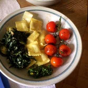 24.4.16 - Gierschgemüse,Ravioli,Bärlauchpesto,Rhabarberkompott,vegetarisch (13)