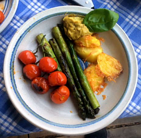 5.4.16 - Grüner Spargel,Salat,Ofenkartoffeln (11)
