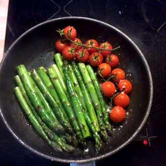 5.4.16 - Grüner Spargel,Salat,Ofenkartoffeln (7)
