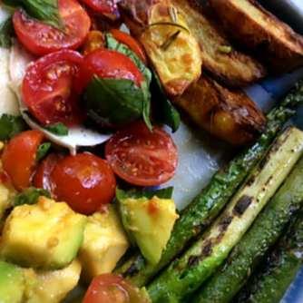 11.6.16 - Grüner Spargel,Ofenkartoffeln,Tomaten,Avocado,vegetarisch (16)
