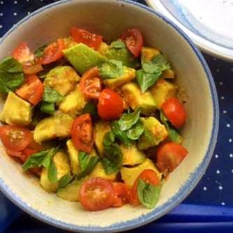 11.6.16 - Grüner Spargel,Ofenkartoffeln,Tomaten,Avocado,vegetarisch (5)