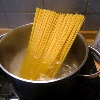23.5.16 - Kamut-Spaghetti,Tomatensoße,Salate,vegan (10)