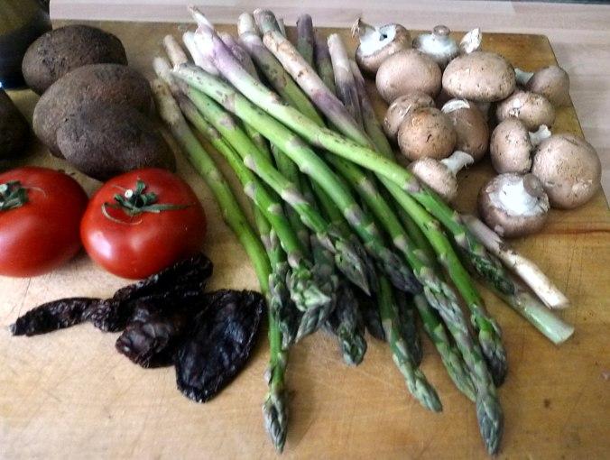 30.5.16 - Grüner Spargel,Champignon,Bratkartoffeln,Gurgensalat (4)