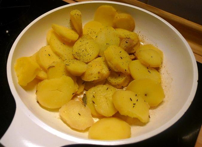 30.5.16 - Grüner Spargel,Champignon,Bratkartoffeln,Gurgensalat (8)