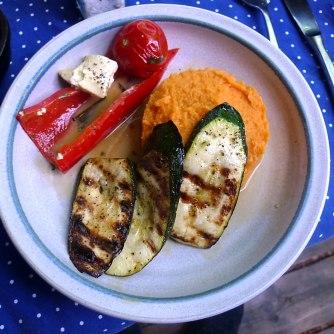 31.5.16 - Paprikapfanne,Zucchini,Süßkartoffelstampf (14)