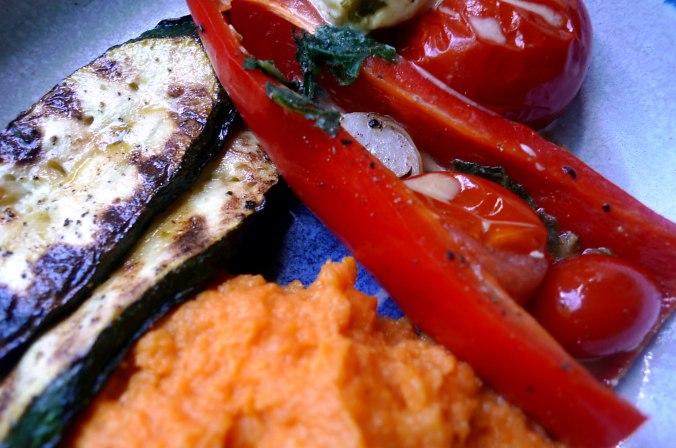 31.5.16 - Paprikapfanne,Zucchini,Süßkartoffelstampf (3)