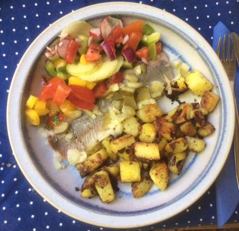 9.5.16 - Matjes,Kartoffeln,Salat,Obstsalat   (1)