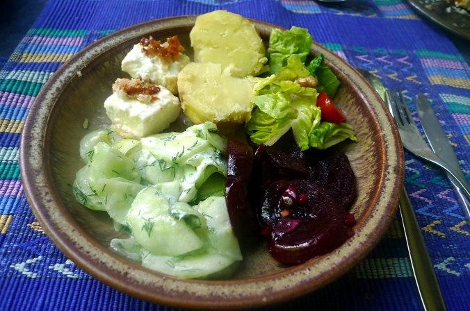 20.6.16 - Salate,Feta,Kartoffeln,Dessert (11)