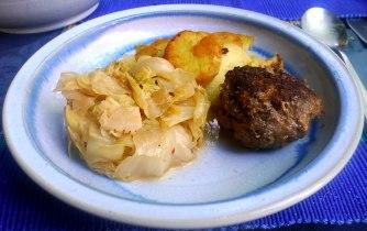 22.6.16 - Spitzkohl,Frikadellen,Bratkartoffeln (14)