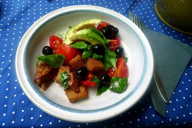 27.6.16 - Panzanella,Brotsalat,Tomatenbrotsalat,vegan (1)