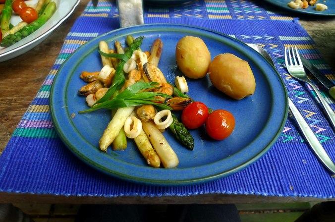 8.6.16 - Spargel,Meeresfrüchte,pescetarisch (2)