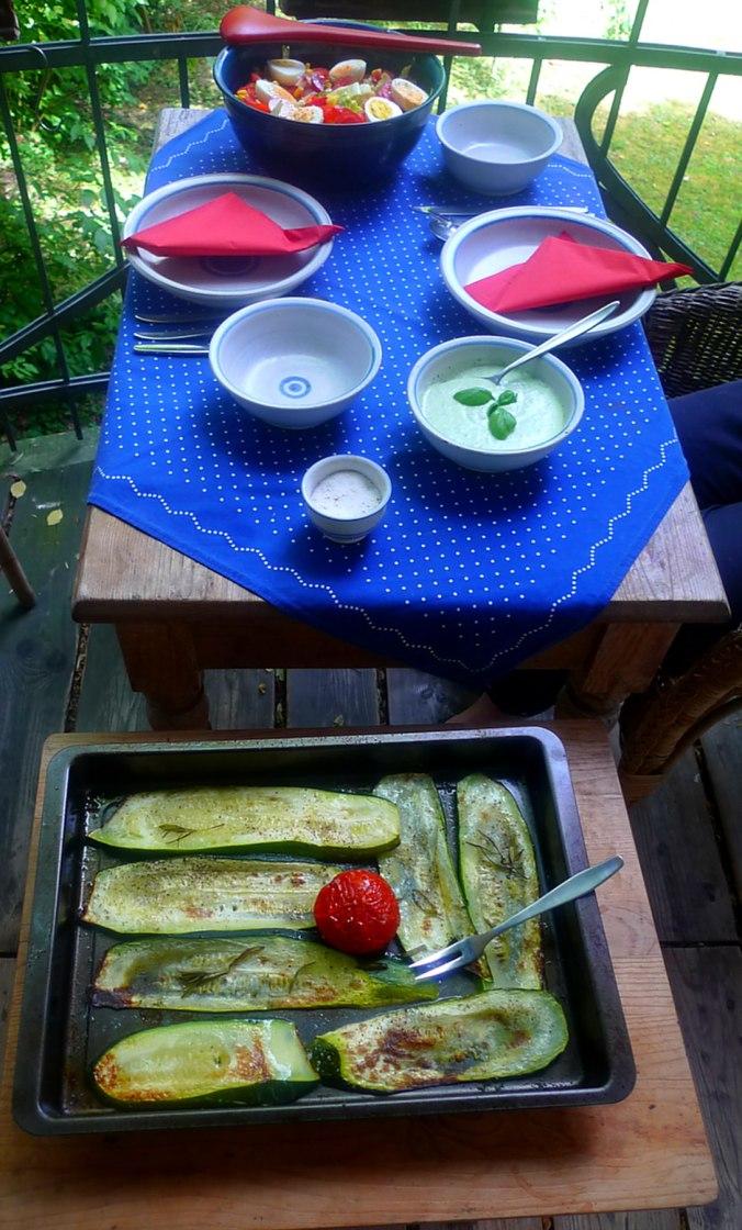 10.7.16 -. Salat,Zucchini,Dip,vegetarisch (11)