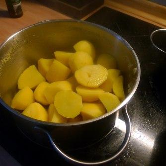 13.7.16 - Mairübchen,Kartoffelstampf,Bratwurst (5)