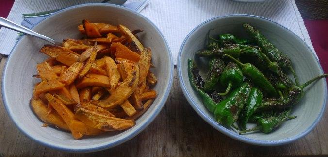 21.7.16 - Süßkartoffel Pommes,Pimientos,Zucchini,Kräuter Quark Dip (2)