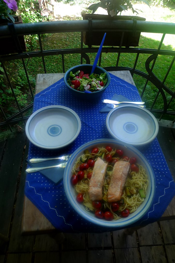 Lachs,Nudeln,Zucchini,Dessert (4) - Kopie