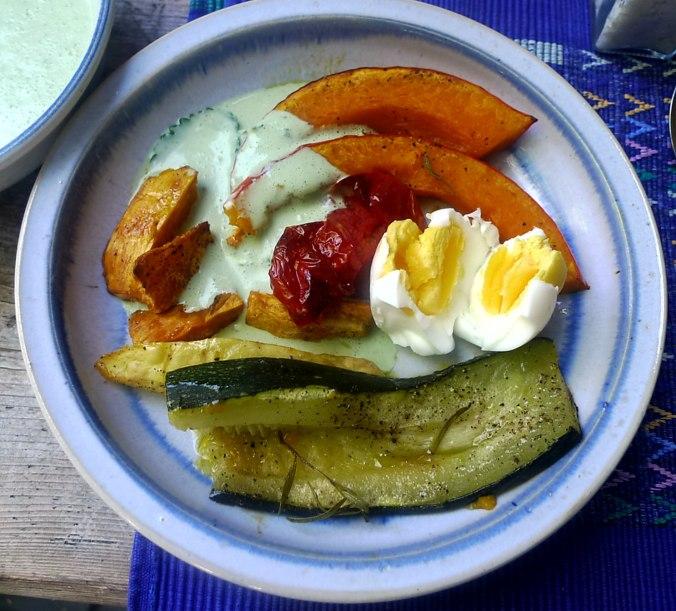 Ofengemüse,Basilikum Dip,vegetarisch (1).JPG