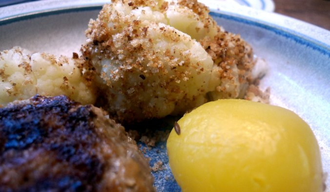 blumenkohl-mit-sandkartoffelnfrikadelle-8