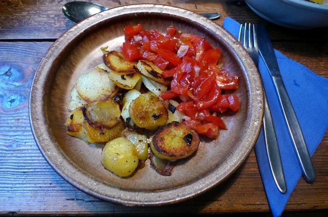 bratkartoffelntomatensalatfeldsalatvegan-4