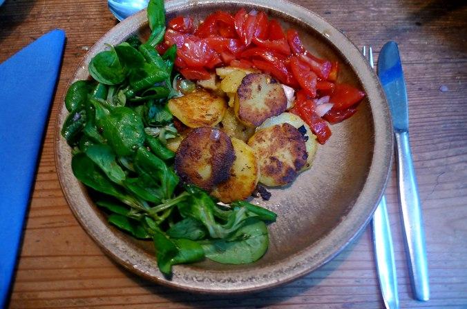 bratkartoffelntomatensalatfeldsalatvegan-6