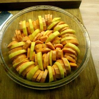 kartoffelgratingebratene-zucchinibaba-ganoushguacamoleolivengebackener-fetavegetarisch-5