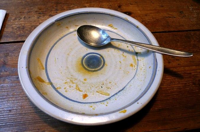 gemusesuppe-mit-beinscheibe-und-nudelnpflaumenkompott-19