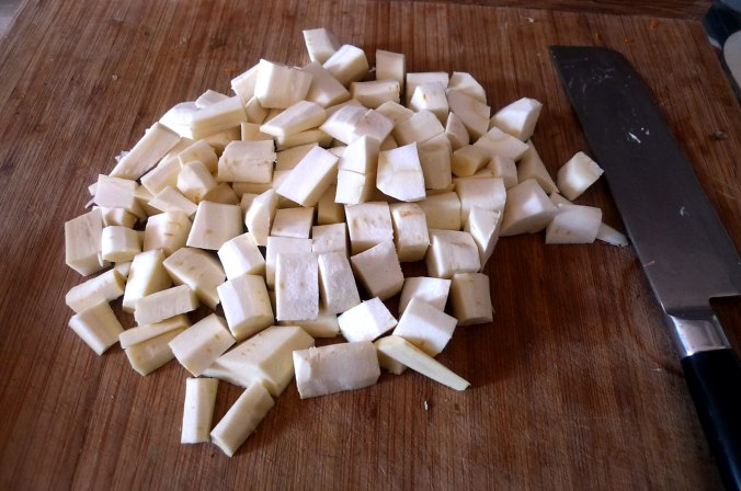 pastinaken-kartoffelstampffeldsalatmhrensalatgeraucherter-buckling-4
