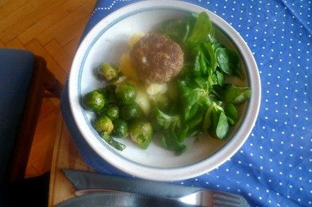 frikadellenrosenkohlfeldsalatsalzkartoffeln-13