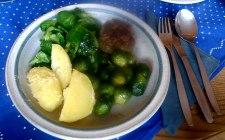 frikadellenrosenkohlfeldsalatsalzkartoffeln-14