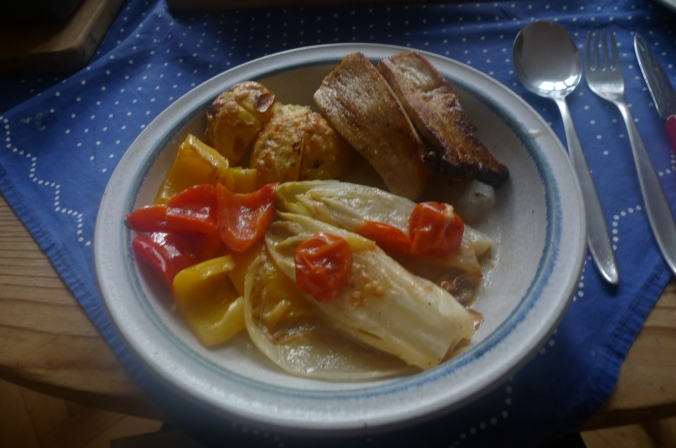 krautersaitlingechicoreepaprikaofenkartoffeln-12