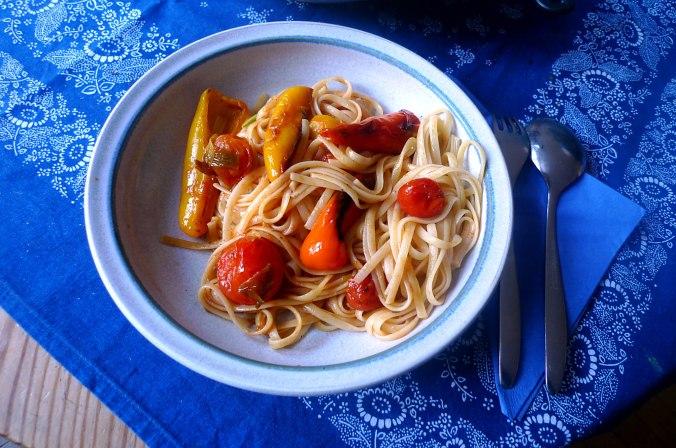 Linguine,Tomaten,Paprikapfanne,vegetarisch (11).JPG