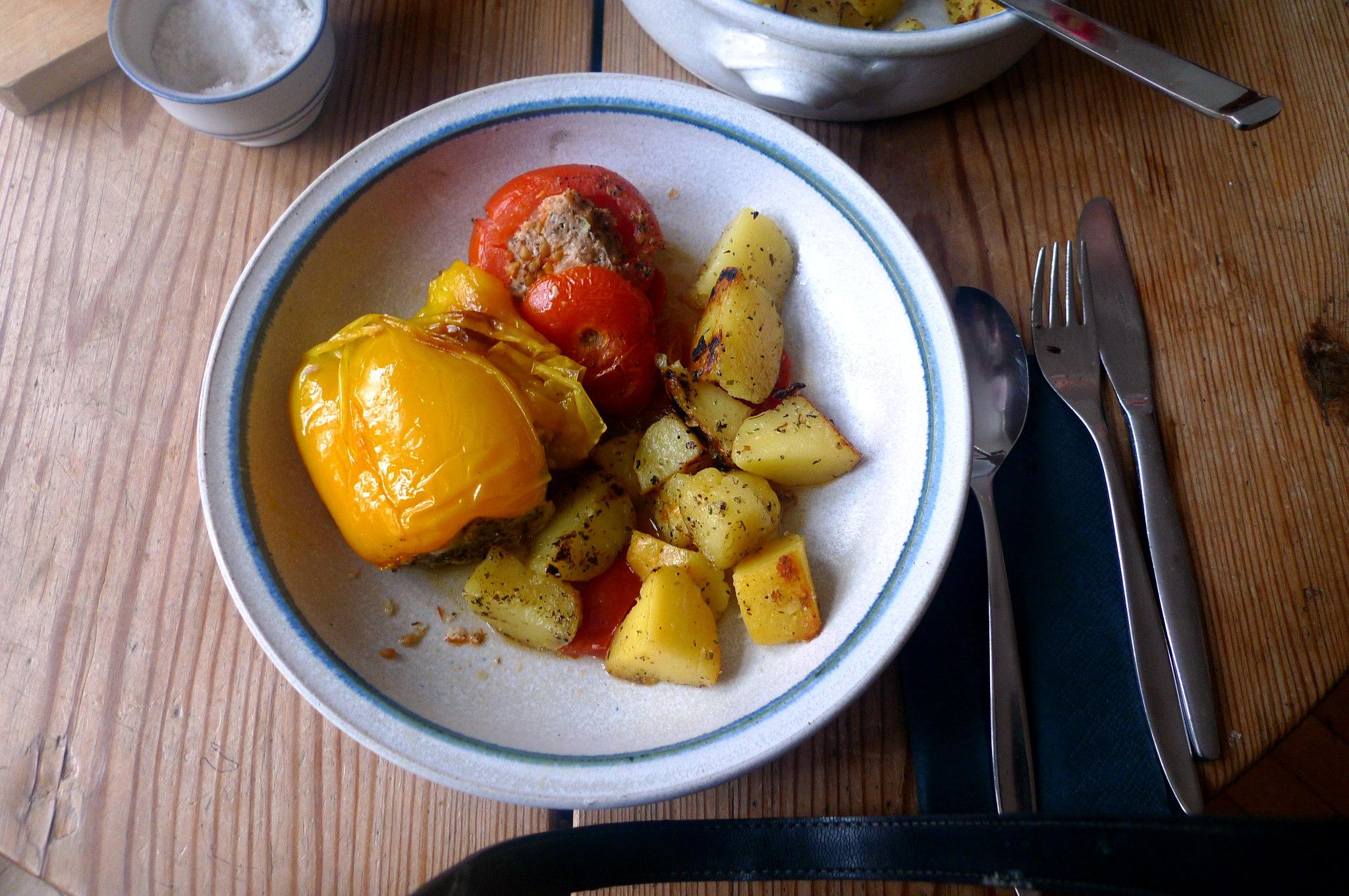 gefullte-paprikabratkartoffelnquitten-joghurtspeise-16