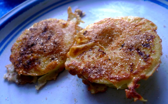 gefullte-pfannkuchenpilzeguacamoleapfel-im-schlafrock-2