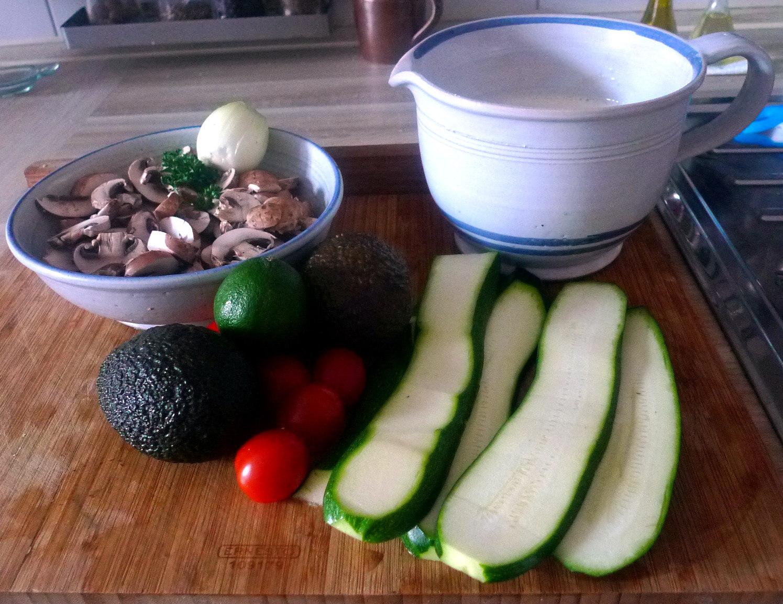 gefullte-pfannkuchenpilzeguacamoleapfel-im-schlafrock-4