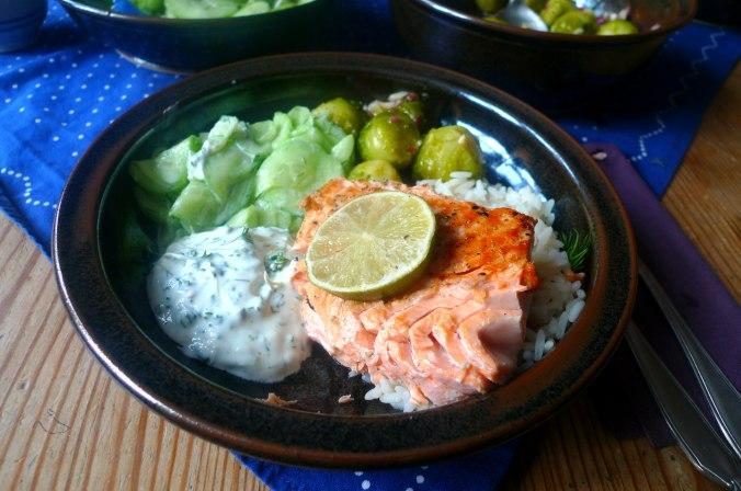 lachsreisrosenkohlsalatgurkensalat-13