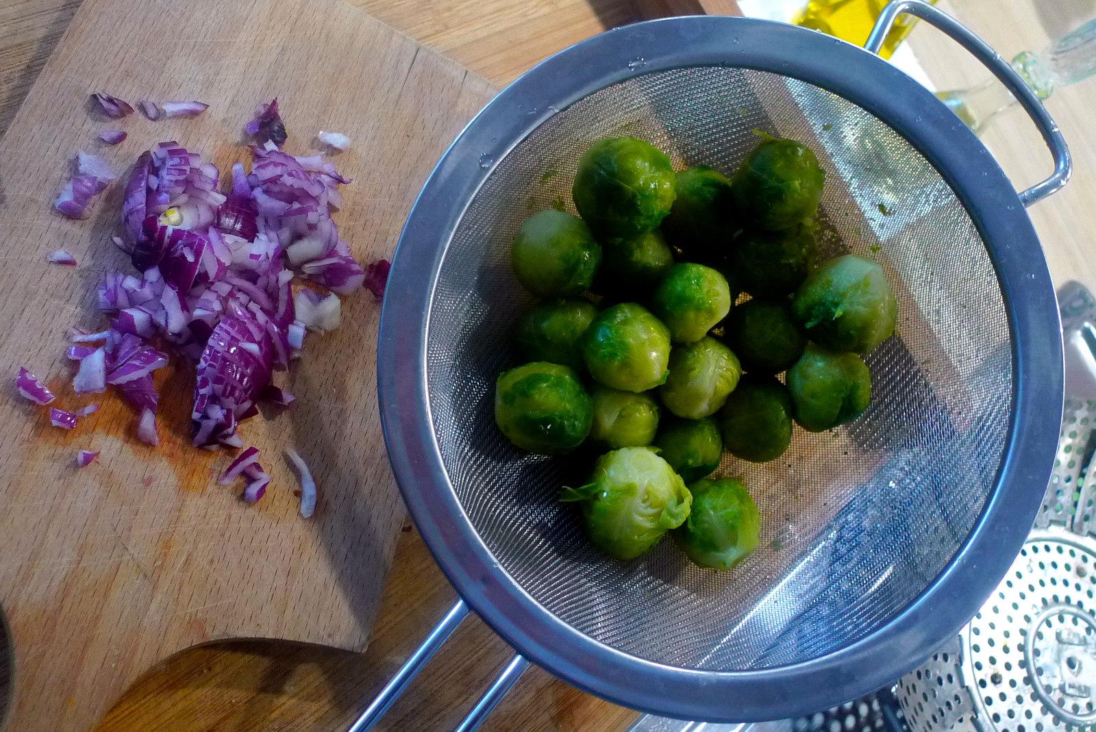 lachsreisrosenkohlsalatgurkensalat-6