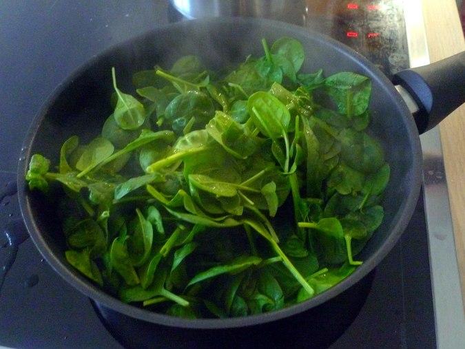 schinken-kase-muffinsbabyspinatkohlrabigemusegurkensalat-10
