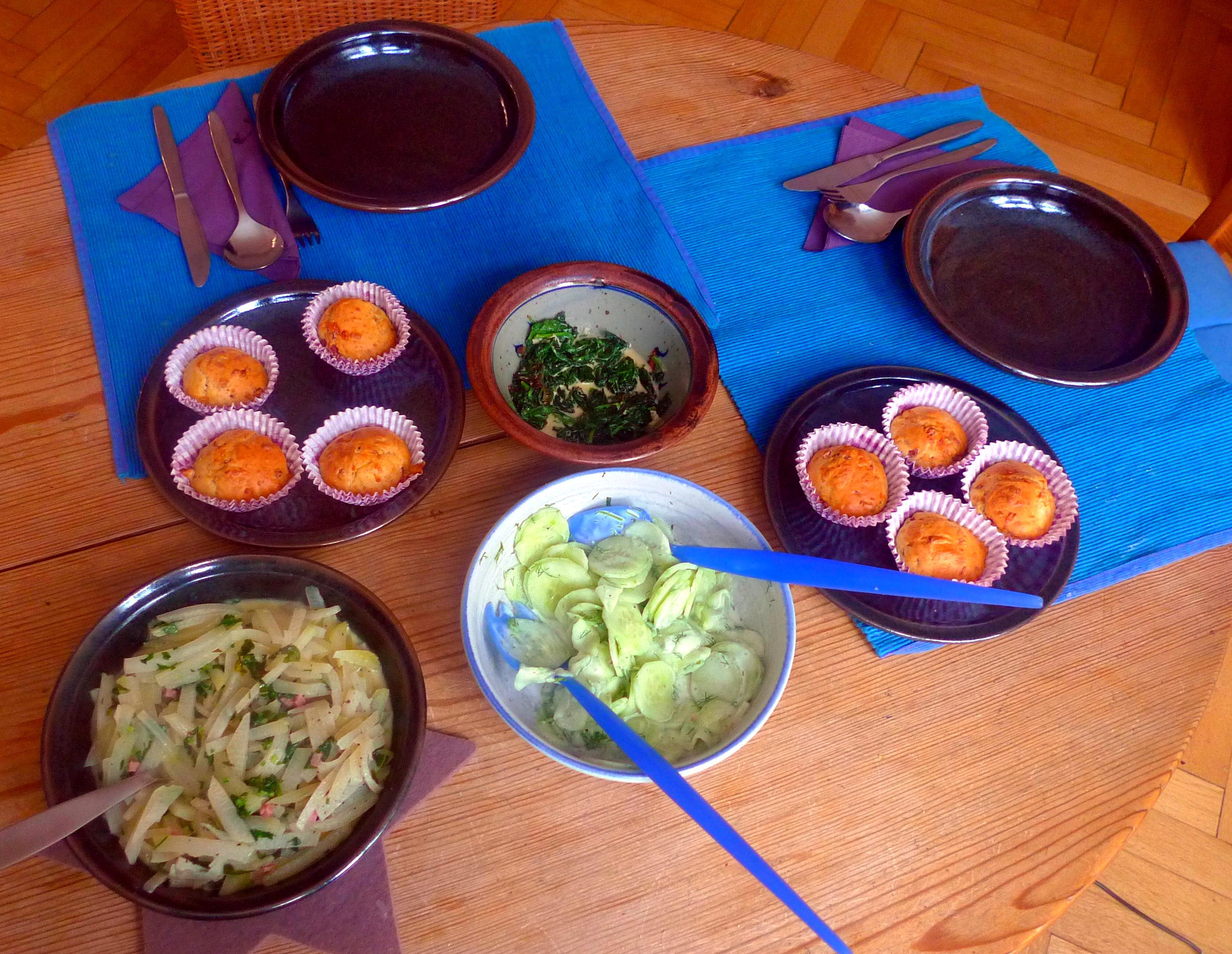 schinken-kase-muffinsbabyspinatkohlrabigemusegurkensalat-2