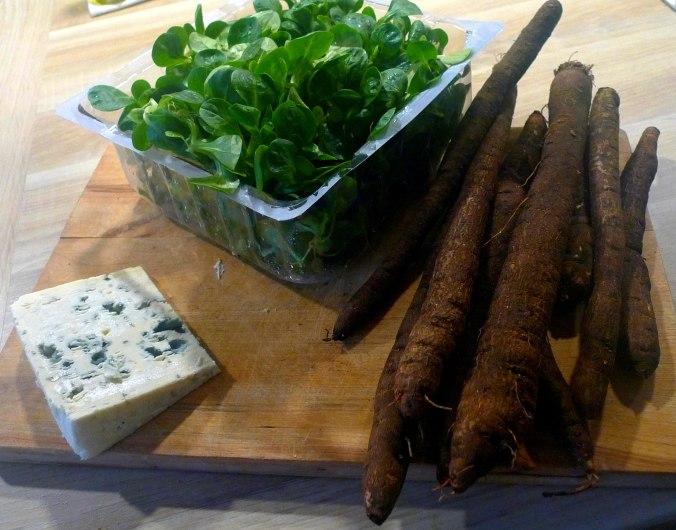 schwarzwurzel-mit-kasesoseofenkartoffelnfeldsalateivegetarisch-2