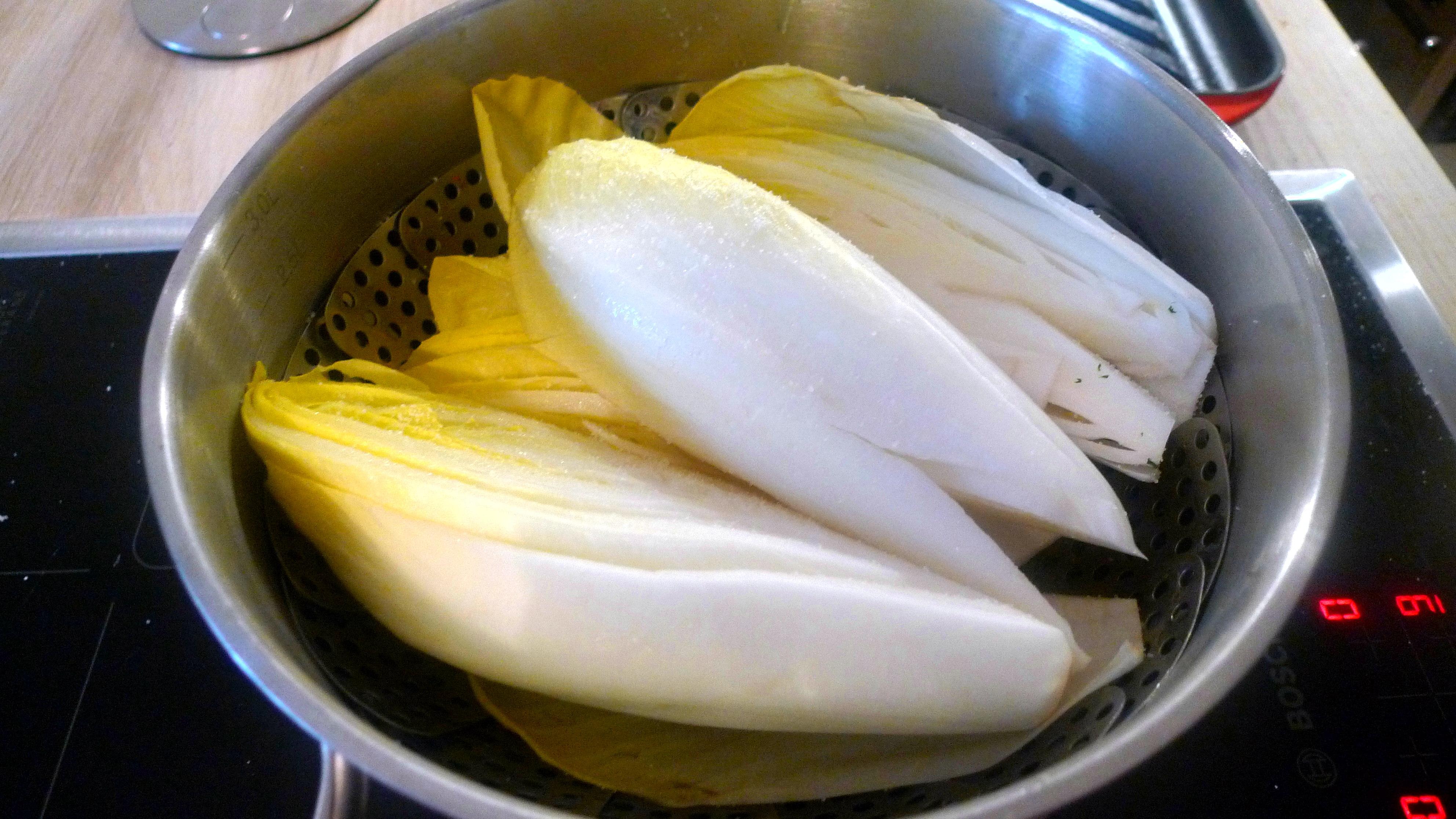 chicoree-mit-schinkentomaten-mit-fetaquinoa-6
